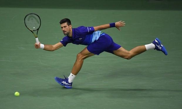 Semifinal AS Terbuka: Djokovic 4-6, 6-2, 6-4, *0-0 Zverev (set 4)